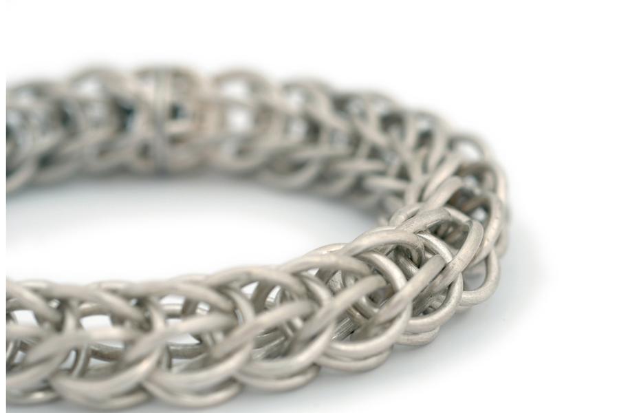 Sabine-Hasselbach-Armband-Gliederarmband-Silber-Oesen-Sterlingsilber