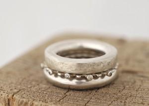 Sabine-Hasselbach-Ring-Silber-Zwischenring-3fach-Brillanten-braun